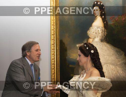 http://www.ppe-agency.com/500px/Apr2015/PPE150409176.jpg