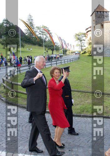 Casa de Liechtenstein - Página 5 PPE09081544