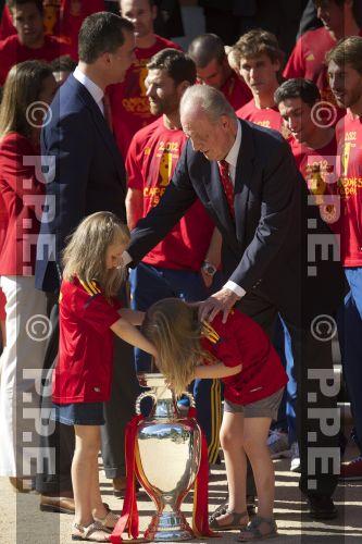 Recepción en Zarzuela a la Selección española PPE12070228