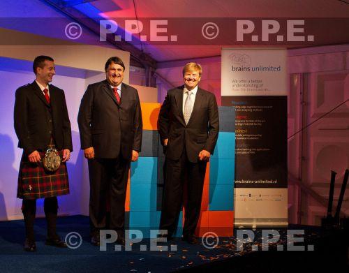 GUILLERMO Y MAXIMA, REYES DE HOLANDA - Página 21 PPE13102902