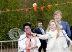 21-04-2017 Veghel Queen Maxima playing tennis and King Willem-Alexander during the Koningsspelen at the Vijfmaster school in Veghel. 