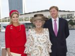 25-01-2013 Dutch Princess Maxima and Prince Willem-Alexander and Queen Beatrix on the last day of the 2 day statevisit to Singapore. Meeting with the Dutch communitee at the Clifford Pier.  (c) PPE/Nieboer  PPE-Agency/Edwin Veloo www.ppe-agency.com  Anemonenweg 52 2241 XM Wassenaar M. 06-43497725   If you have any questions please call or e-mail us with your inquiries