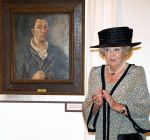 10-06-2014 Roermond Princess Beatrix at the opening of the exhibition of the life and work of Joep Nicolas at the Cuypershuis in Roermond. Joep Nicolas (1897-1972) was a glass artist and won with his ''Sint-Maartensraam'' the award of the Exposition internationale des Arts Decoratifs et Industriels Modernes in Paris.  © PPE/v.d. Werf