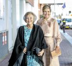 04-11-2019 Amsterdam Queen Máxima and Princess Beatrix arriving for the Prins Bernhard Cultuurfonds Prijs 2019 to the Hollandsche Molen Association, the association is the authority in the field of milling in the Netherlands, at the Muziekgebouw aan 't IJ in Amsterdam.