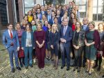 31-10-2019 Loon Queen Máxima with Simone Brummelhuis, Fondsdirecteur van het Borski Fund and - Laura Rooseboom, Fondsdirecteur van het Borski Fund and  Klaas Knot, president van De Nederlandsche Bank and Martine of Philippa van Loon during the launch of the Borski Fund at Museum Van Loon in Amsterdam.